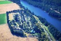 Gradys-Riverside-Retreat-4.jpg